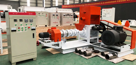 Aquatic feed extrusion machine