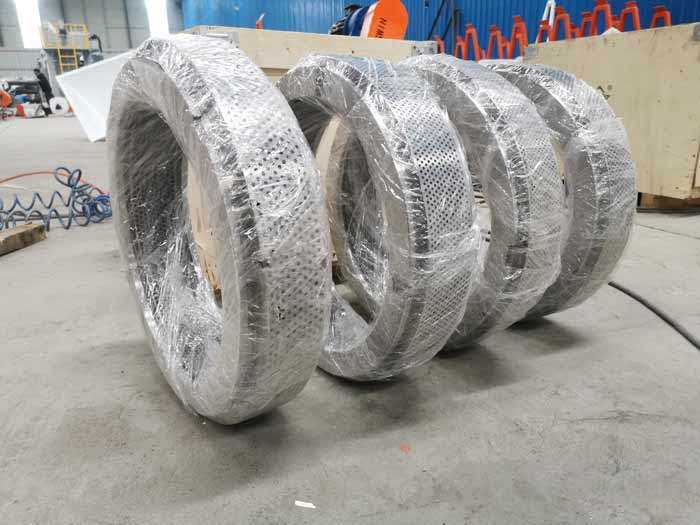 Customers ordered 4 set Ring mould of feed pellet machine