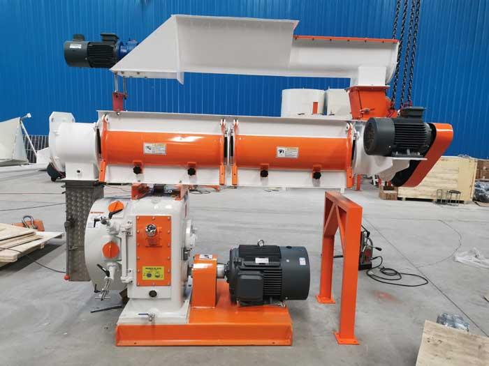 Brazilian customer ordered SZLH 320 feed pellet machine